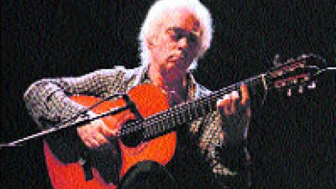 El guitarrista Manolo Sanlúcar, en plena actuación.