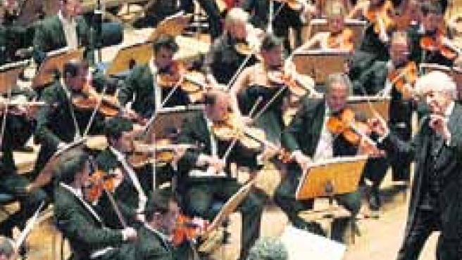 La Orquesta Sinfónica de Euskadi recaló ayer en Sao Paulo.(Sebastiao Moreira/Efe)