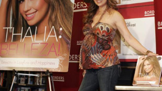 La cantante Thalia en la presentación en Nueva York de su primer libro.