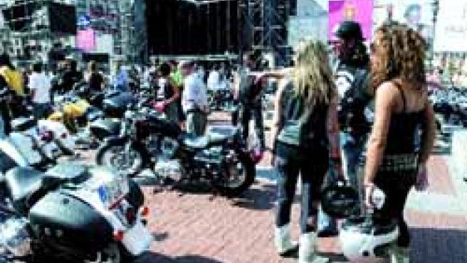 Varias decenas de Harley Davidson.(Miriam Chacón/Ical)