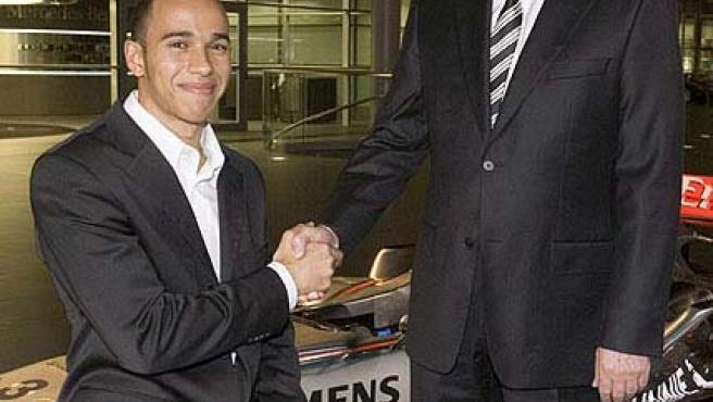 Ron Dennis y Lewis Hamilton en una imagen de archivo.