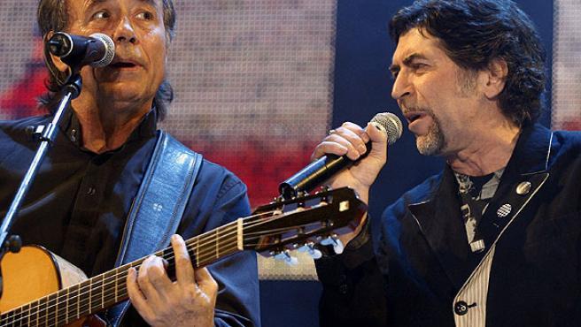 Joan Manuel Serrat y Joaquín Sabina, en una de sus actuaciones.