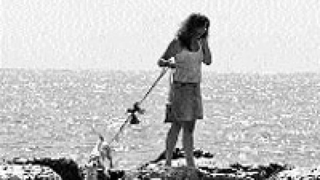 El paseo por la playa del Cocó y por el rompeolas ofrece envidiables vistas y sin pasar demasiado calor en estas fechas(Rafa Molina).