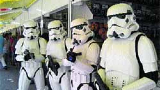 Un momento del desfile del año pasado con algunos soldados del imperio.