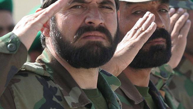 Militares afganos ayer en Kabul. Afganistán intenta entrenar a su propio ejército para hacer frente a los talibanes (EFE/Syed Jan Sabawoon)