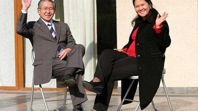 Alberto Fujimori, junto a su hija (Efe)