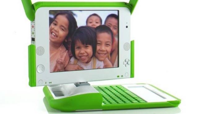 El portátil creado por la Fundación OLPC busca facilitar el acceso de los más desfavorecidos a las nuevas tecnologías.