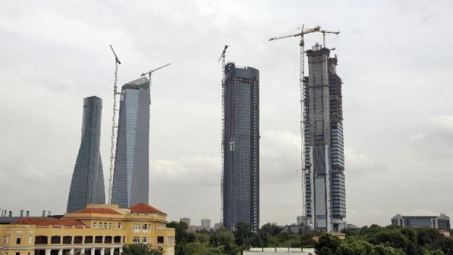 Torre Espacio, Torre de Cristal, Torre Sacyr-Vallehermoso y Torre Caja Madrid (de izquierda a derecha).