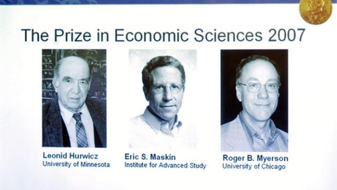 Los galardonados con el Nobel de Economía 2007.
