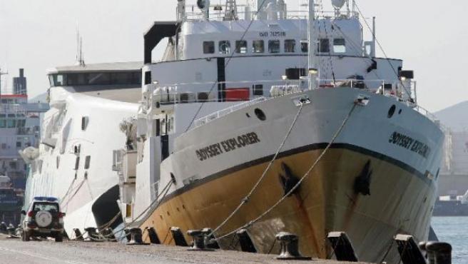 La Guardia Civil ha terminado el registro del navío. A.CARRASCO RAGEL /EFE