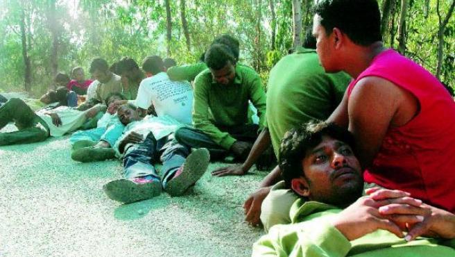 Estos inmigrantes llevan dos meses durmiendo al raso. CRISTIANA CHASCO.