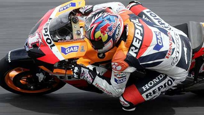 Dani Pedrosa, durante la carrera. (Efe)