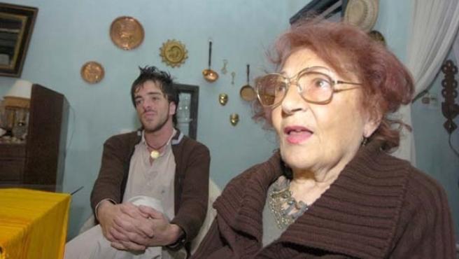 Adelfa y Reinaldo, en la casa de la anciana. (DIARIO UNO).