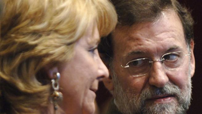 El presidente del PP, Mariano Rajoy, y la presidenta de la Comunidad de Madrid, Esperanza Aguirre.