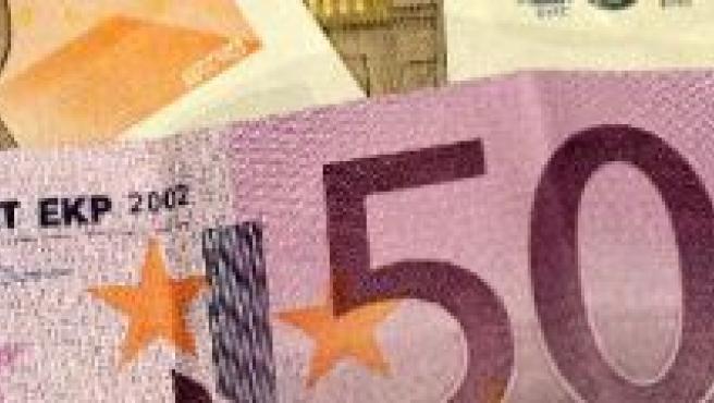 Billetes de 500 y 50 euros (Archivo)