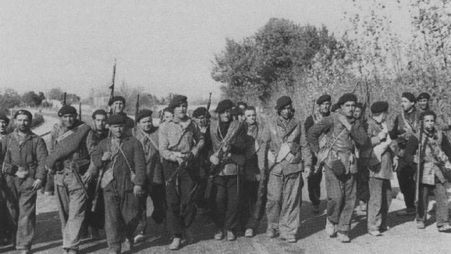 Un grupo de combatientes republicanos durante la guerra civil.