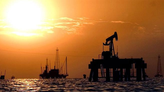 Instalaciones petrolíferas en el Lago de Maracaibo, Venezuela.
