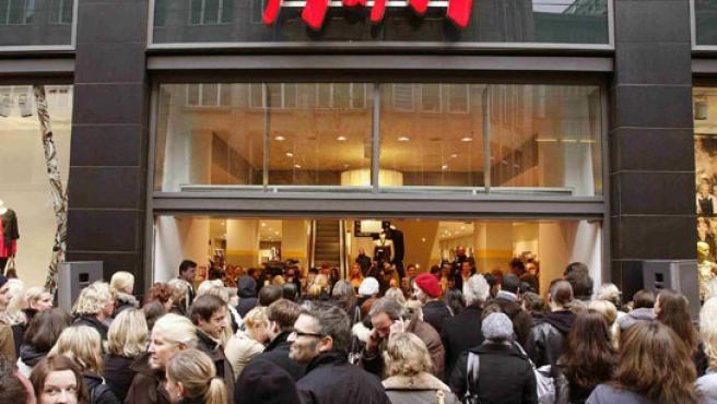 Entrada de uno de los establecimientos de la firma,H&M.
