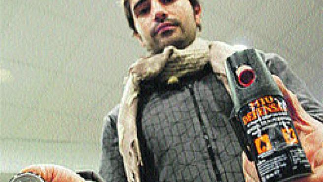 Multas por llevar sprays no homologados. (Fernando Muñoz)