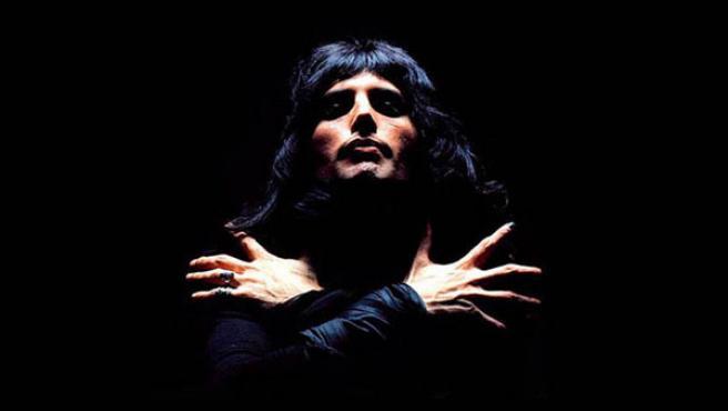 Freddy Mercury, en una foto promocional con Queen.
