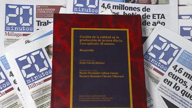 El volumen de la tesis de casi 700 páginas.