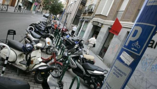 Las motos ya tienen plazas para aparcar.