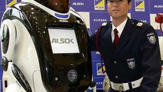 El robot que reconoce las caras y la fisonomía de los delincuentes.