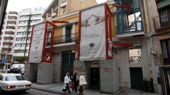 Fachada del edificio, en la calle San Antonio de Padua.