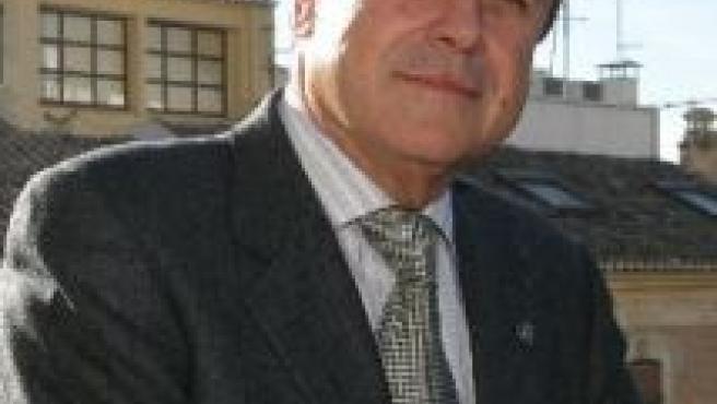 Rico es profesor de la Universidad de Granada desde 1967