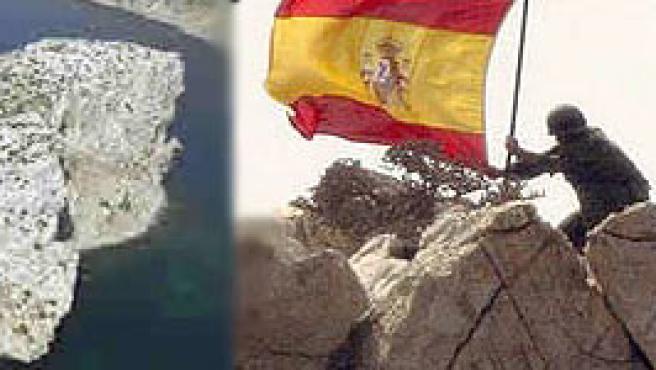 Instante en que los soldados españoles recuperaron el islote Perejil en julio de 2002.