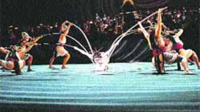 La bailarina y coreógrafa Jin Xing, en la imagen, en una de sus representaciones.
