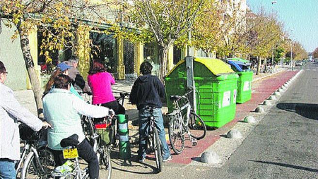El carril-bici de la calle María la Judía. (J. B.)