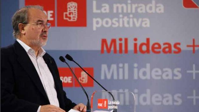 El vicepresidente segundo y ministro de Economía y Hacienda, Pedro Solbes, durante su intervención en el Foro Economía en Progreso