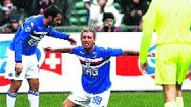 Antonio Cassano, anotó ayer el tanto del empate en casa. (Luca Zennaro / EFE).
