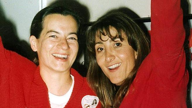 Clara Rojas (izquierda) e Ingrid Betancourt (derecha) antes de su secuestro (EFE / ARCHIVO).