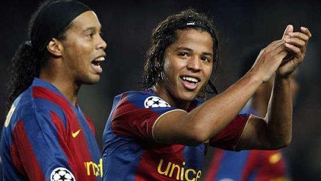 Ronaldinho y Giovani festejan un gol. (AP)