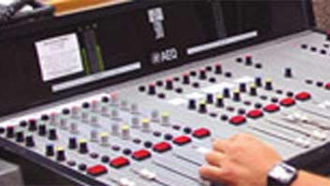 mesa de realización radiofónica