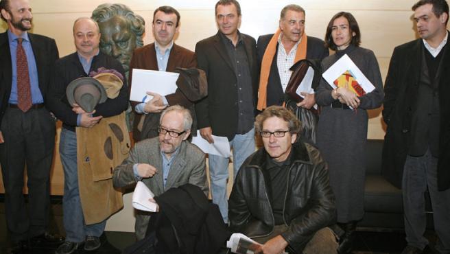 José Coronado y Juan Luis Galiardo se manifiestan a favor del canon en un acto organizado por la SGAE.