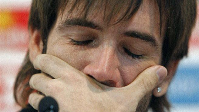 David Albelda no pudo contener ayer las lágrimas. (Bruque / EFE)