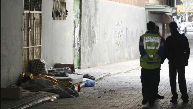 El cadáver de una mujer indigente, de nacionalidad española y de unos 41 años, que no parecía presentar signos de violencia.
