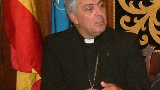 El obispo de Tenerife, autor de las polémicas declaraciones.