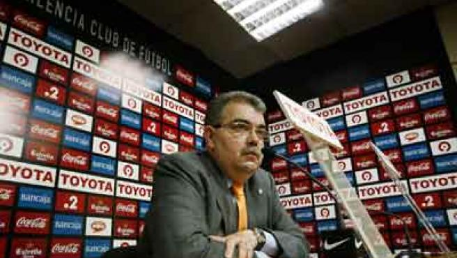 El presidente del Valencia, Juan Bautista Soler, en rueda de prensa.