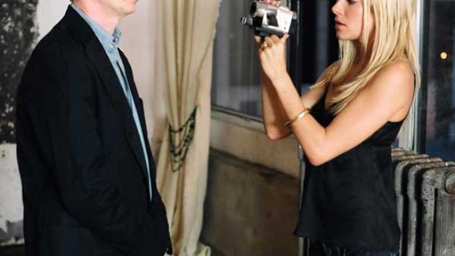 """El actor estadounidense Steve Buscemi junto a la actriz Sienna Miller, con la que protagoniza """"Interview""""."""