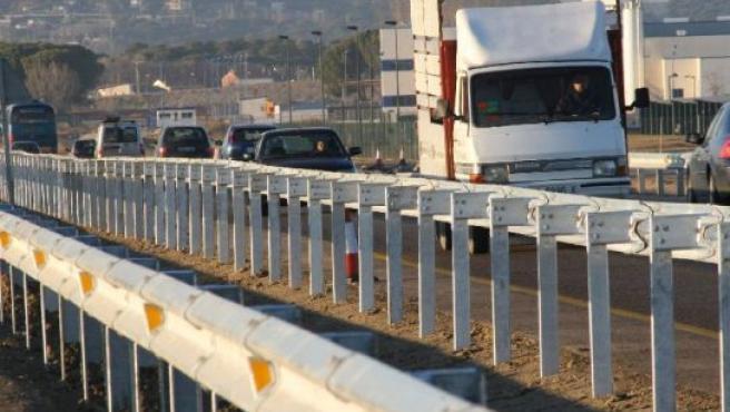 Guardarraíles recién colocados en la Autovía a Segovia