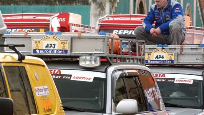 Un piloto, tras conocer la suspensión de la edición de 2008 del Rally Lisboa Dakar.