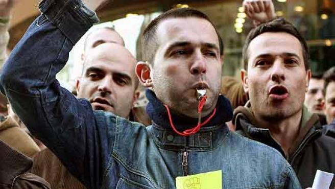 Trabajadores de Frape-Behr protestan durante una de las movilizaciones que ya han realizado en Barcelona.