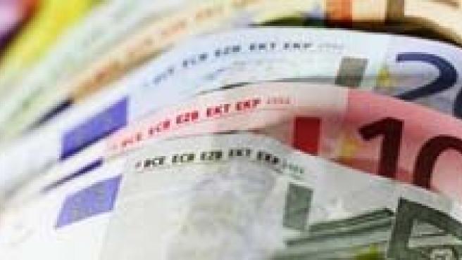 Los españoles serán más reticentes este año a la hora de invertir su dinero.