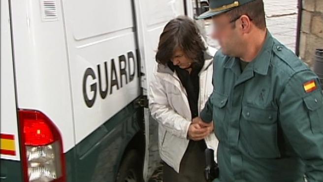 Emiliana G.P., de 50 años, en el momento de entrar a declarar en la Audiencia Provincial de Toledo.
