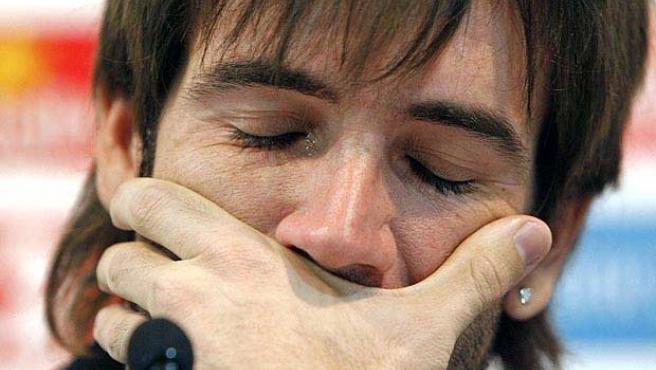 Albelda llora en la rueda de prensa. (Archivo)