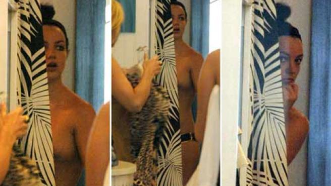 Britney, desnuda en un probador. (ARCHIVO)